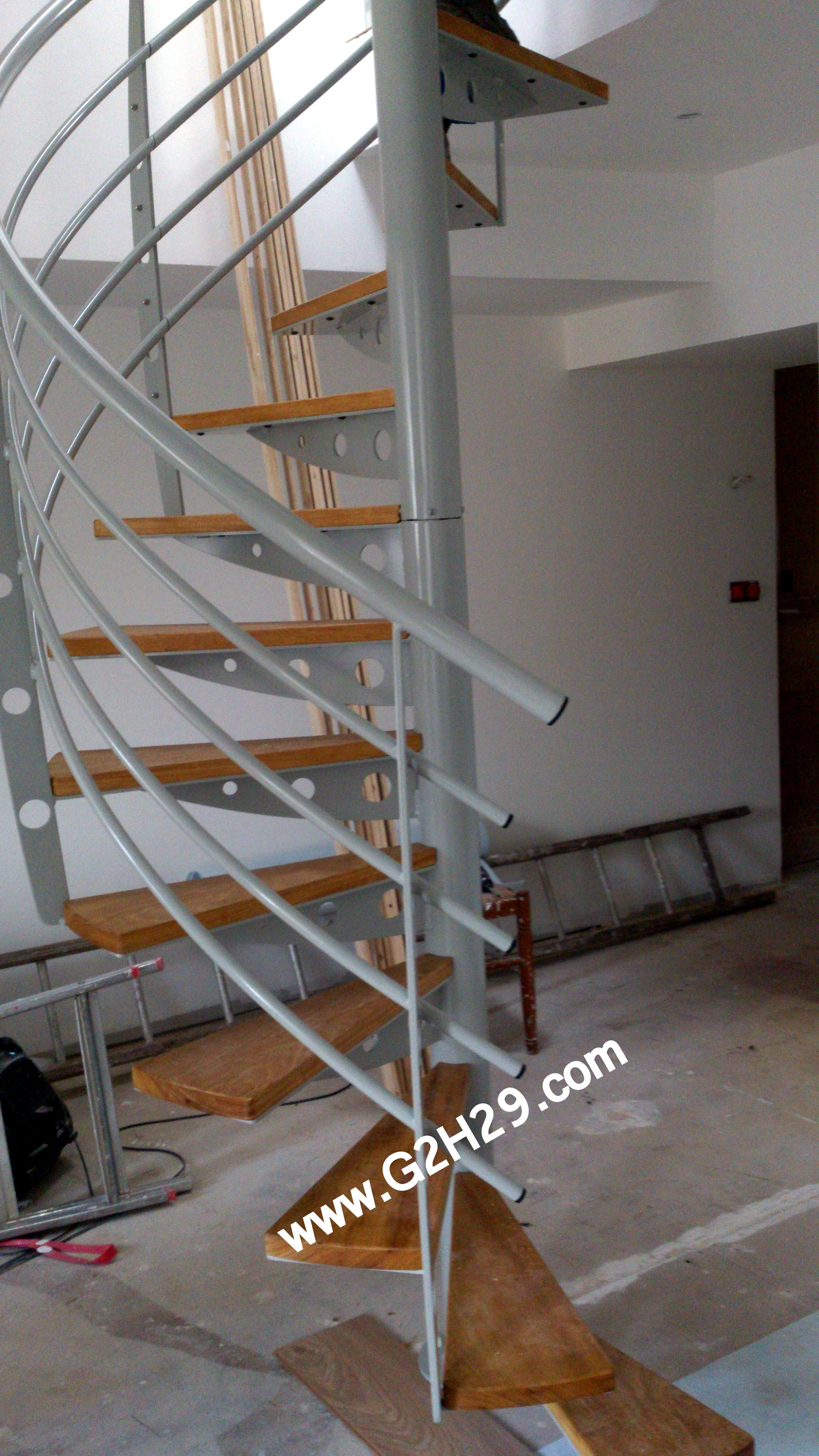 escalier helicoidal castorama marches escalier colimacon with escalier helicoidal castorama. Black Bedroom Furniture Sets. Home Design Ideas